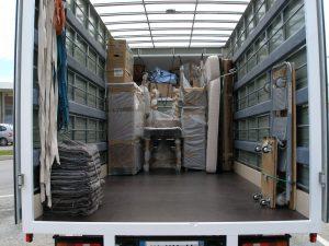 chargement camion de déménagement